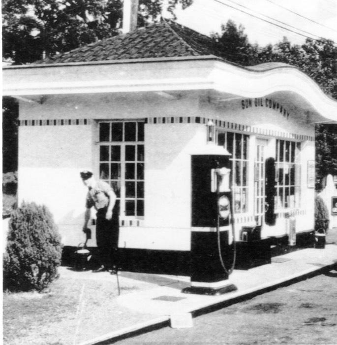 1920 S Sun Oil Gas Station Windfall Rod Shop