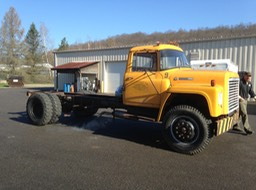 1976 IHC Loadstar Cab and Chassis